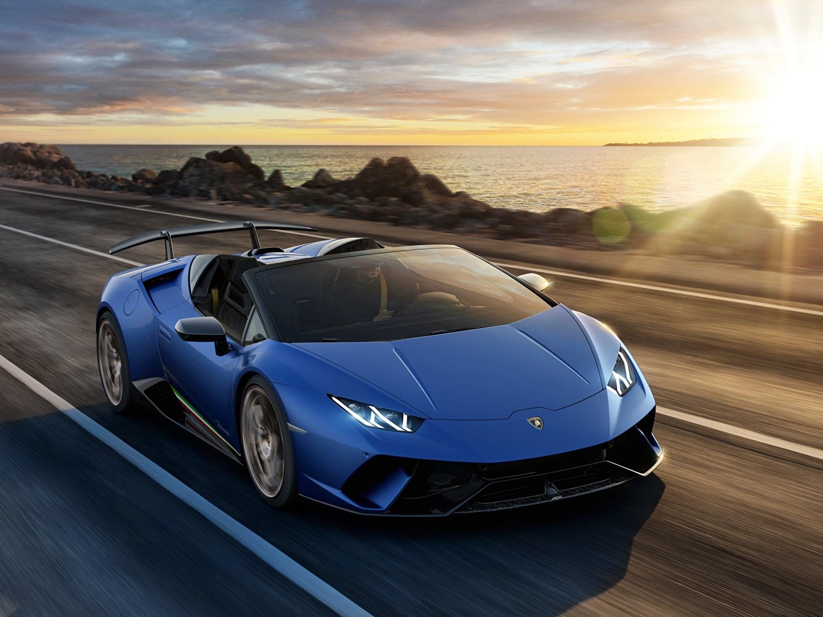 Фотография Ламборгини Huracan 2018 Spyder Родстер синих Дороги Автомобили 1600x1200 Lamborghini Синий синие синяя авто машина машины автомобиль