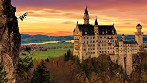 Картинки Осенние Замки Германия Нойшванштайн Утес Бавария