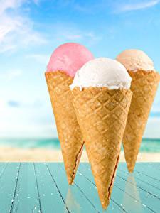 Фото Сладости Мороженое Доски Трое 3 Вафельный рожок Еда