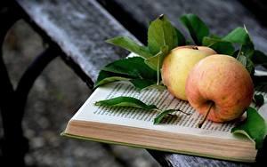 Фотография Яблоки Доски Книга Листва Еда