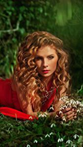 Фото Галантус Шатенка Платье Смотрит Красный Девушки