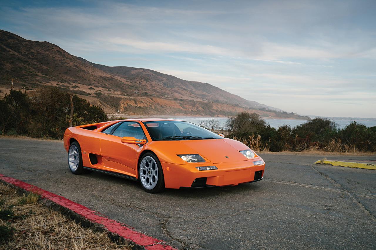 Фотографии Ламборгини 2000-01 Diablo VT 6 Ретро Оранжевый машина Металлик Lamborghini Винтаж оранжевых оранжевые оранжевая старинные авто машины автомобиль Автомобили
