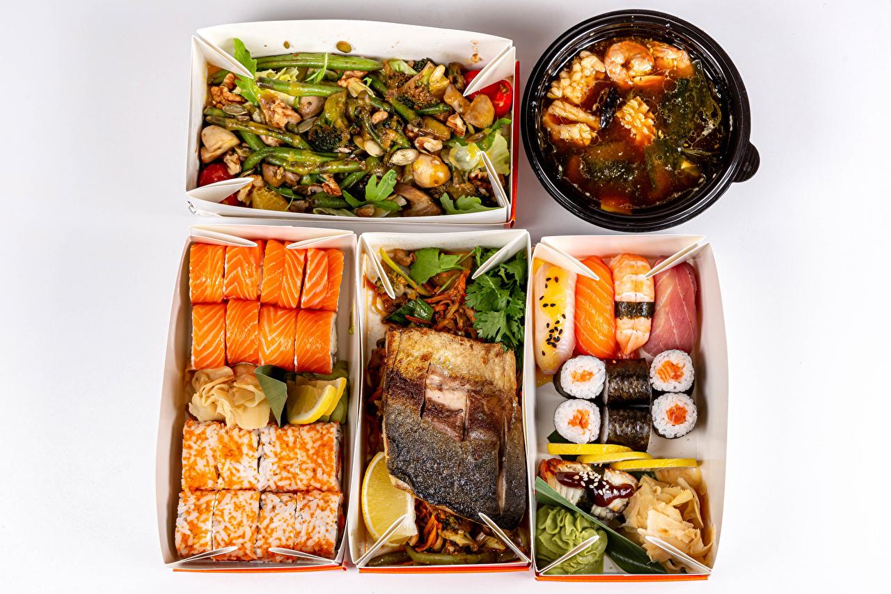 Картинка Рыба суси Коробка Еда Овощи Серый фон Морепродукты Суши коробки коробке Пища Продукты питания сером фоне
