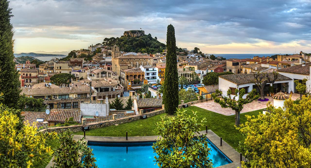 Картинка Испания Begur Catalonia Дома город Деревья дерева Здания дерево Города деревьев