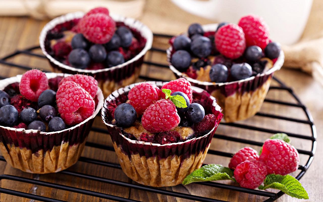 Фото Малина Черника Еда Ягоды Пирожное Сладости Пища Продукты питания сладкая еда
