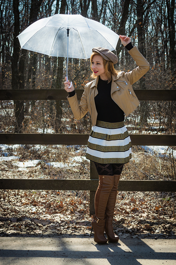 Обои для рабочего стола Victoria Borodinova сапог позирует куртке Девушки зонтик кепкой  для мобильного телефона Сапоги сапогов сапогах Поза Куртка куртки куртках девушка молодая женщина молодые женщины Зонт зонтом кепке Кепка Бейсболка