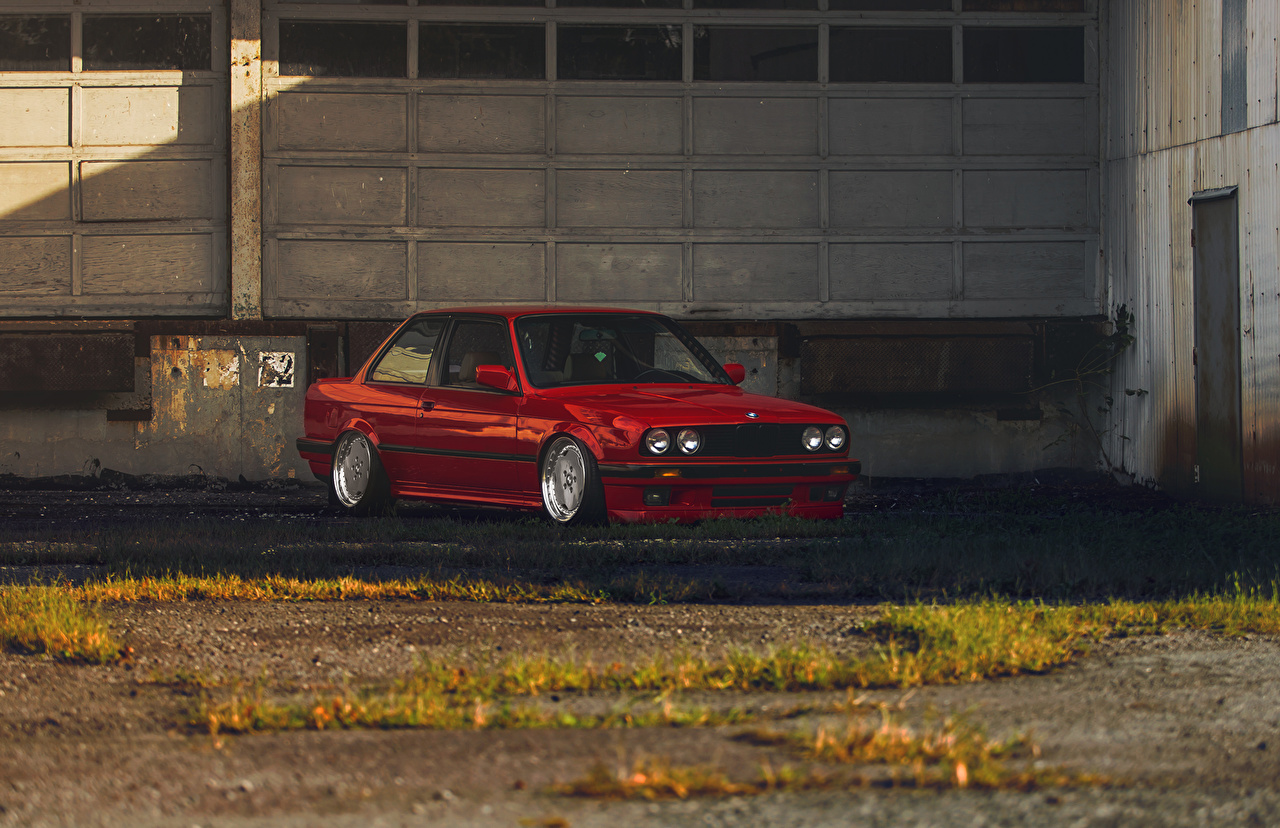 Картинки BMW e30 3 Series красных Автомобили БМВ красная красные Красный авто машины машина автомобиль