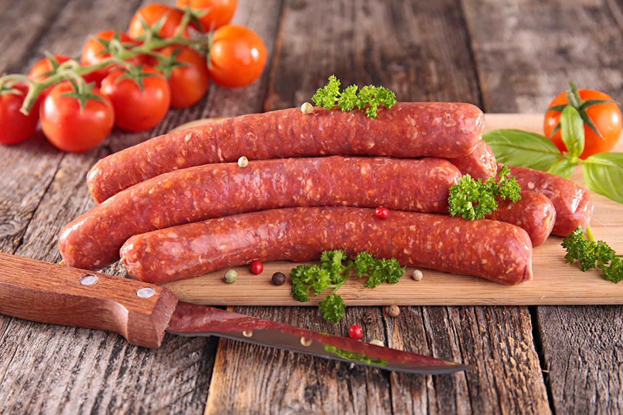 Фото Нож Колбаса Помидоры Пища Мясные продукты ножик Томаты Еда Продукты питания