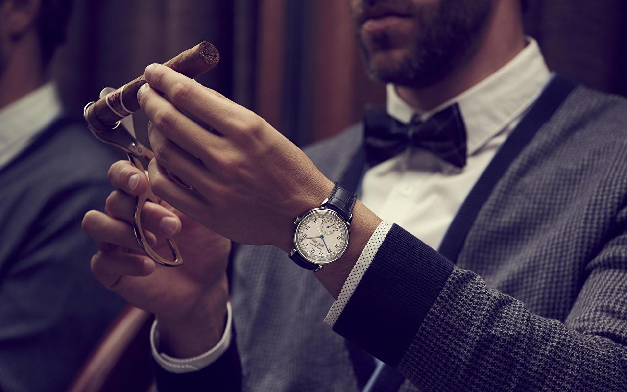 Обои сигары Switzerland, Vacheron Constantin Наручные часы Часы рука Сигара сигарой Руки