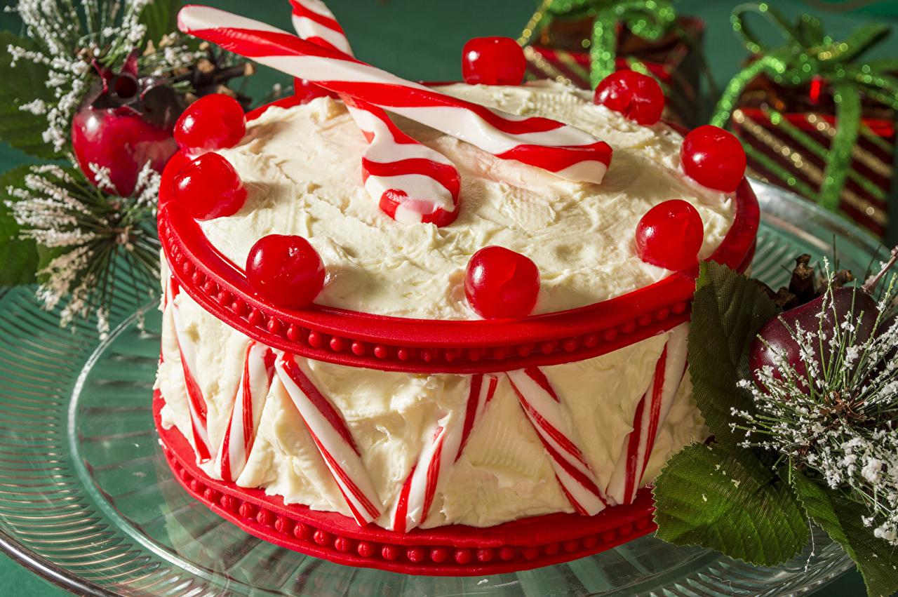 Картинка Рождество Торты Леденцы Еда Ягоды Сладости Новый год Пища Продукты питания сладкая еда