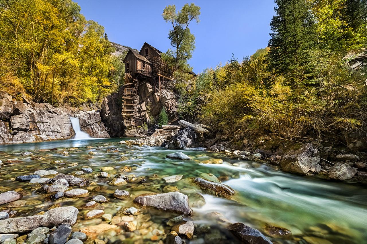 Обои для рабочего стола США Водяная мельница Crystal Mill, Colorado Природа Реки Камни дерева штаты америка река речка Камень дерево Деревья деревьев