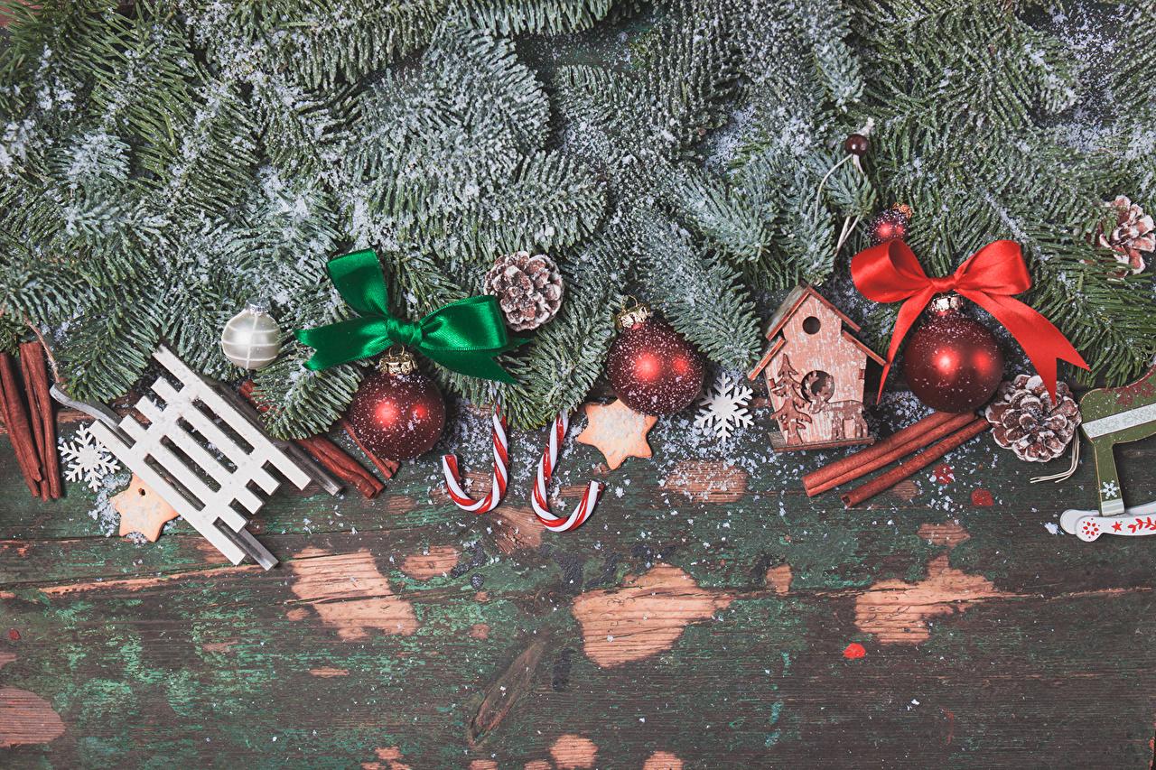 Картинка Новый год Корица бант Ветки Шарики Рождество Шар ветвь ветка Бантик бантики на ветке