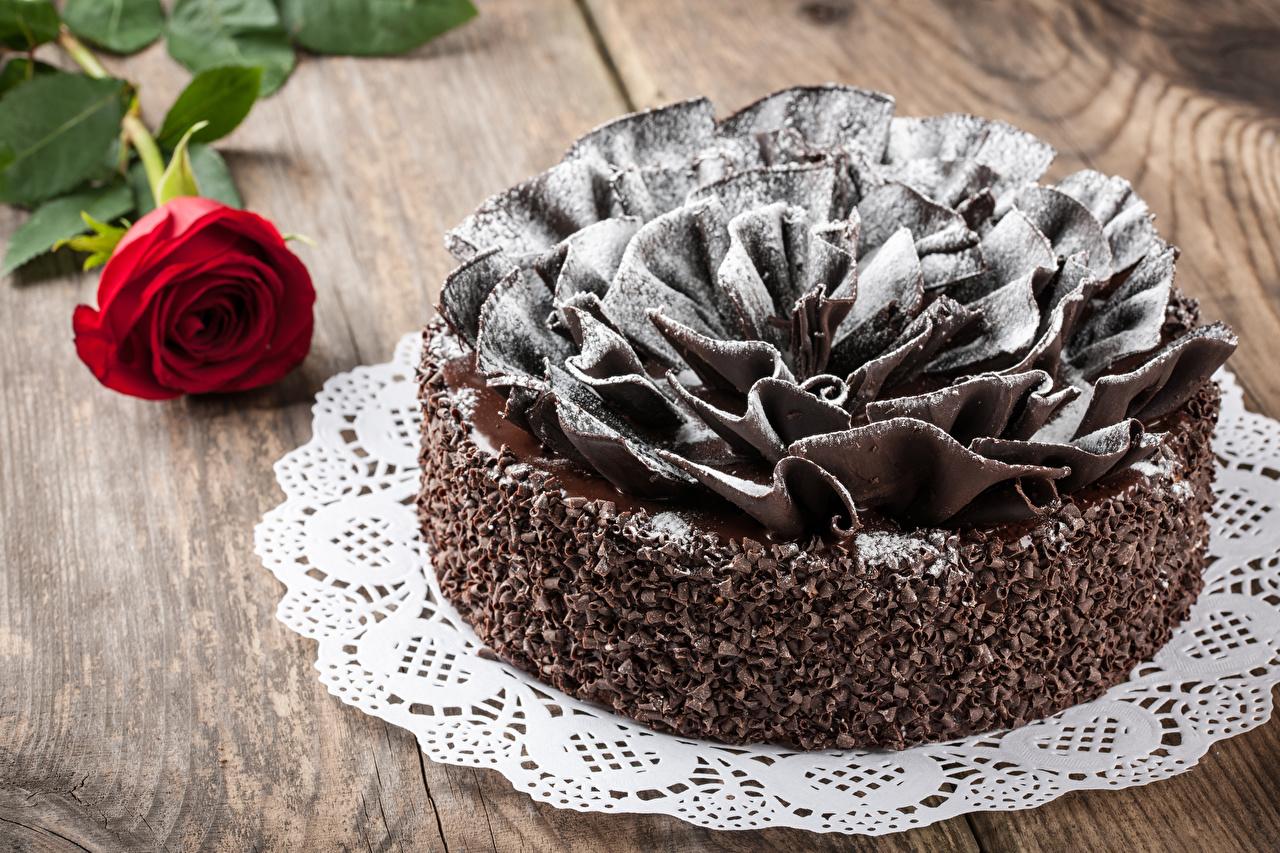 Картинка Шоколад Розы Торты Еда Сладости Доски Дизайн Пища Продукты питания