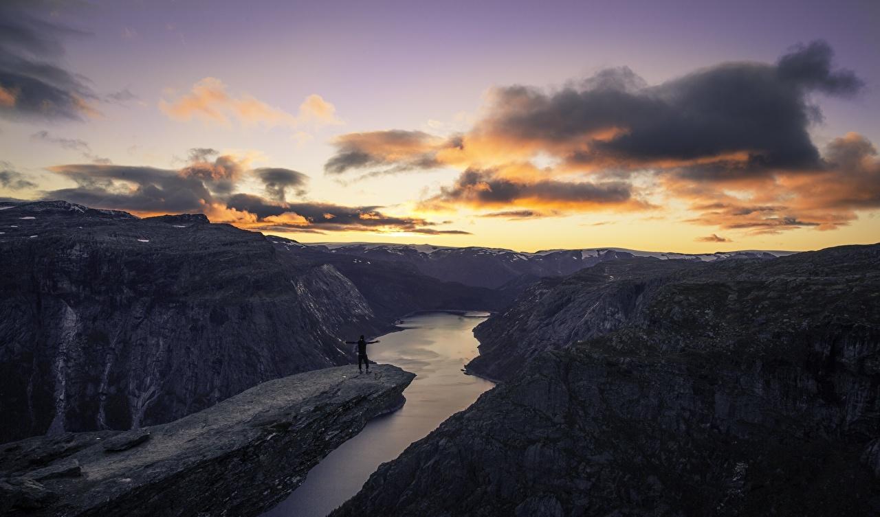 Картинка гора каньона Природа рассвет и закат река облако Горы Каньон каньоны Рассветы и закаты Реки речка Облака облачно