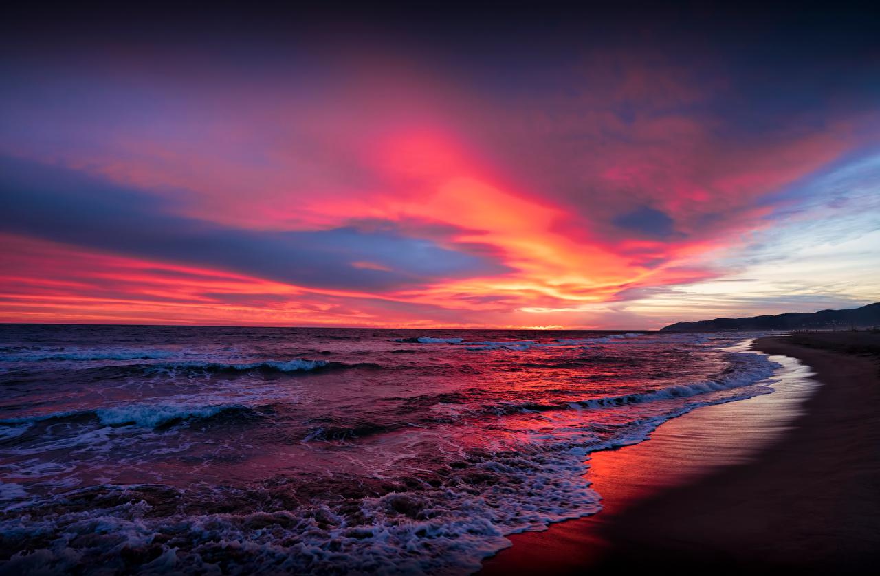 Фото Испания Catalonia Море Природа Небо Рассветы и закаты Побережье облачно рассвет и закат берег Облака облако