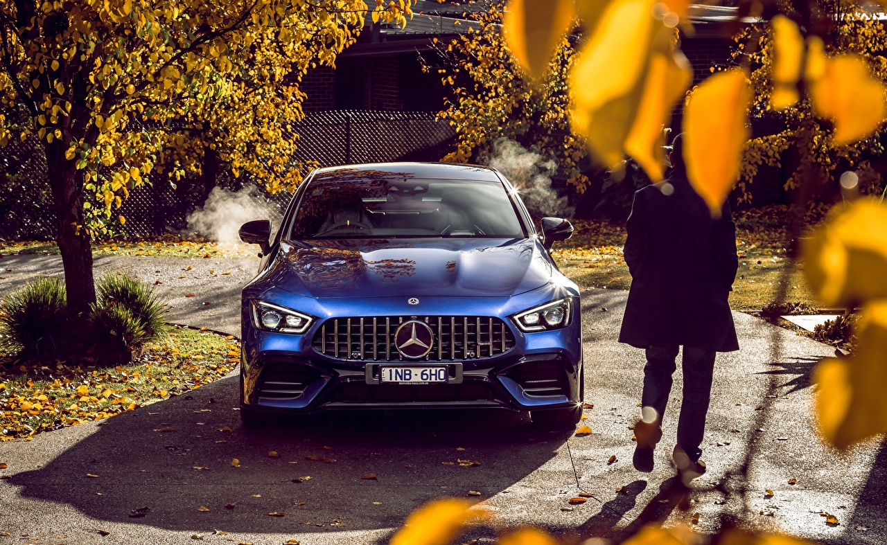 Фото Мерседес бенц 4MATIC 2019 AMG GT 63 S 4 Door синяя Спереди автомобиль Mercedes-Benz Синий синие синих авто машины машина Автомобили