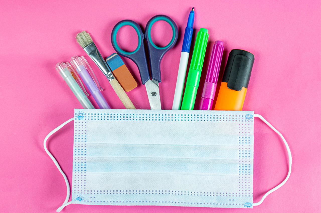 Фото Коронавирус школьные Шариковая ручка Кисточки Маски Розовый фон Школа Кисть