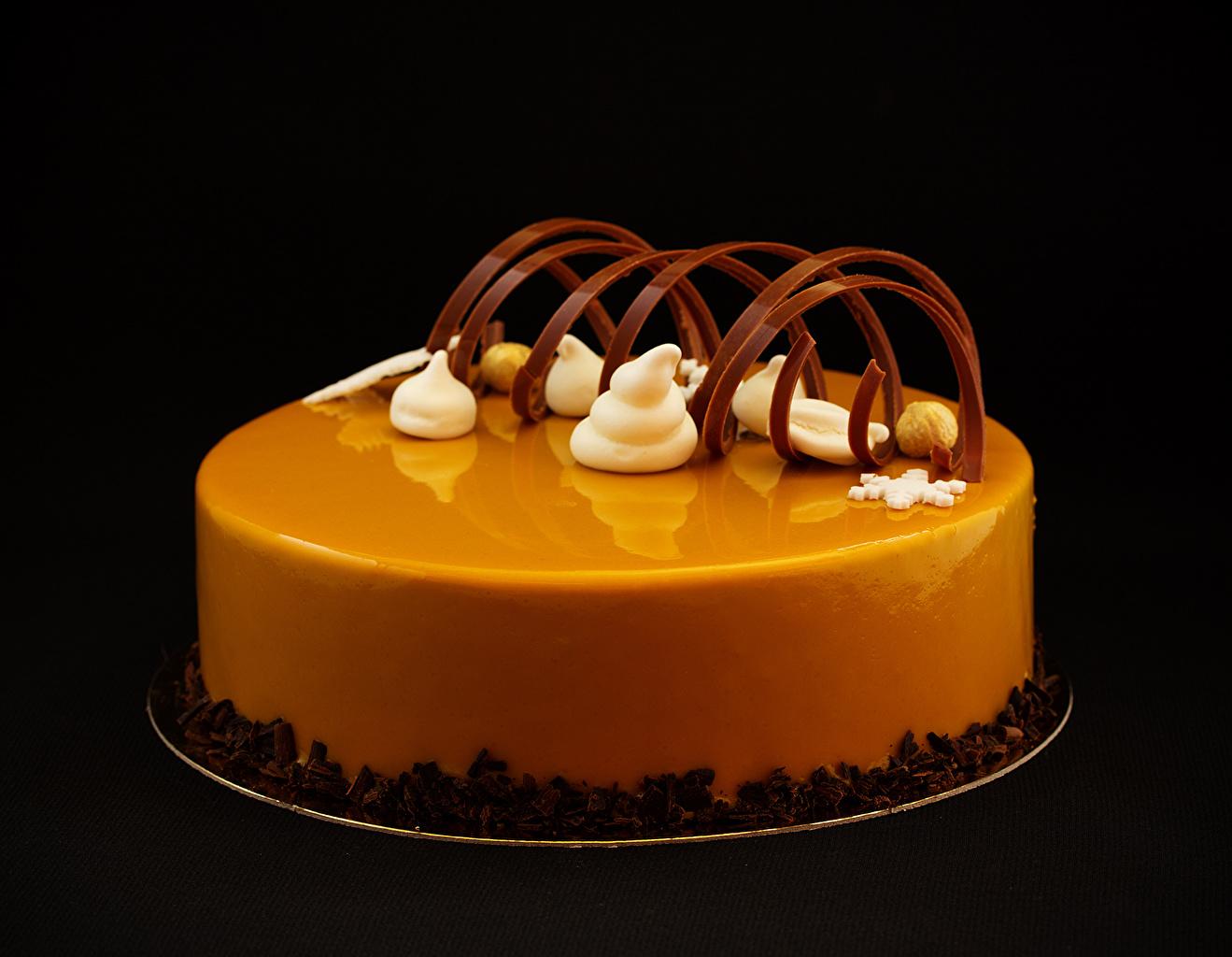 Картинки Шоколад Торты Еда Сладости Черный фон Дизайн Пища Продукты питания сладкая еда на черном фоне дизайна