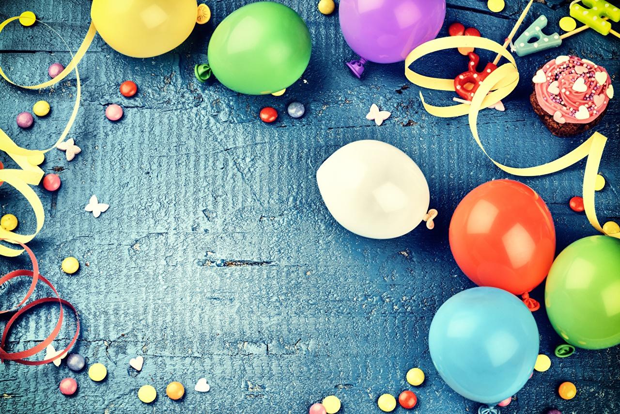 Картинка День рождения воздушные шарики Шаблон поздравительной открытки Праздники Воздушный шарик воздушных шариков воздушным шариком