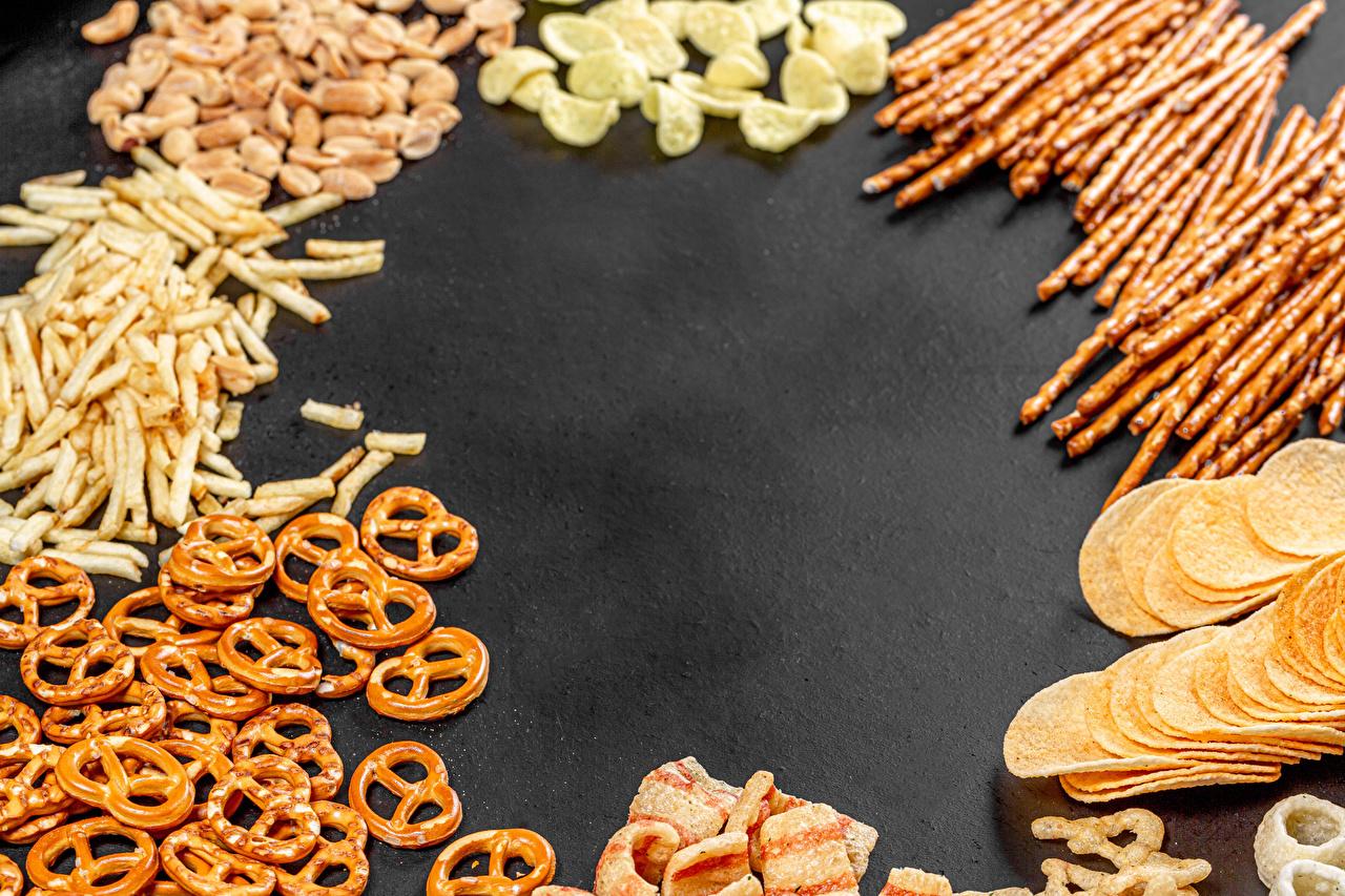 Фотографии salted sticks, pretzels Чипсы Фастфуд Еда Быстрое питание Пища Продукты питания