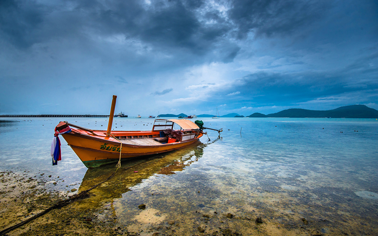 Картинки Таиланд Phuket Море Природа Лодки Облака облако облачно