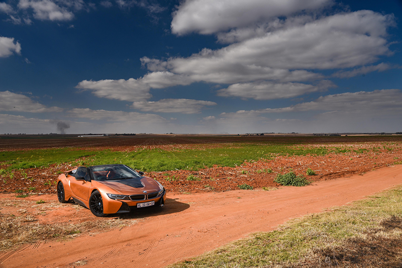 Обои для рабочего стола BMW 2018 i8 Родстер кабриолета Оранжевый автомобиль БМВ Кабриолет оранжевых оранжевые оранжевая авто машина машины Автомобили