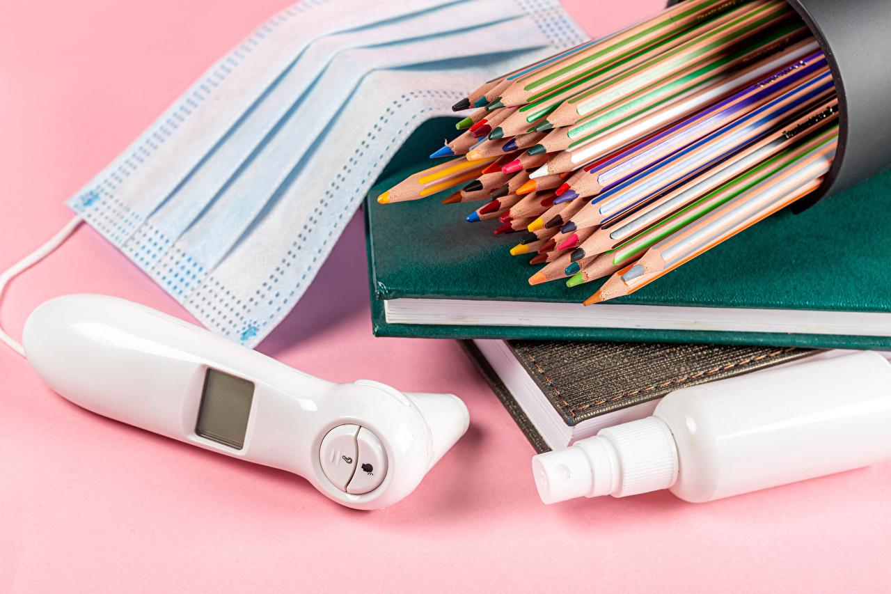Картинки Коронавирус Карандаши Маски Книга Цветной фон карандаш карандаша карандашей книги