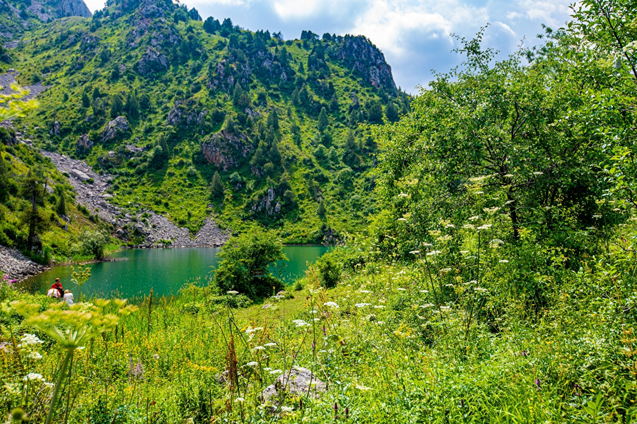 Фото Sary-Chelek Lake, Kyrgyzstan гора Природа Озеро Горы