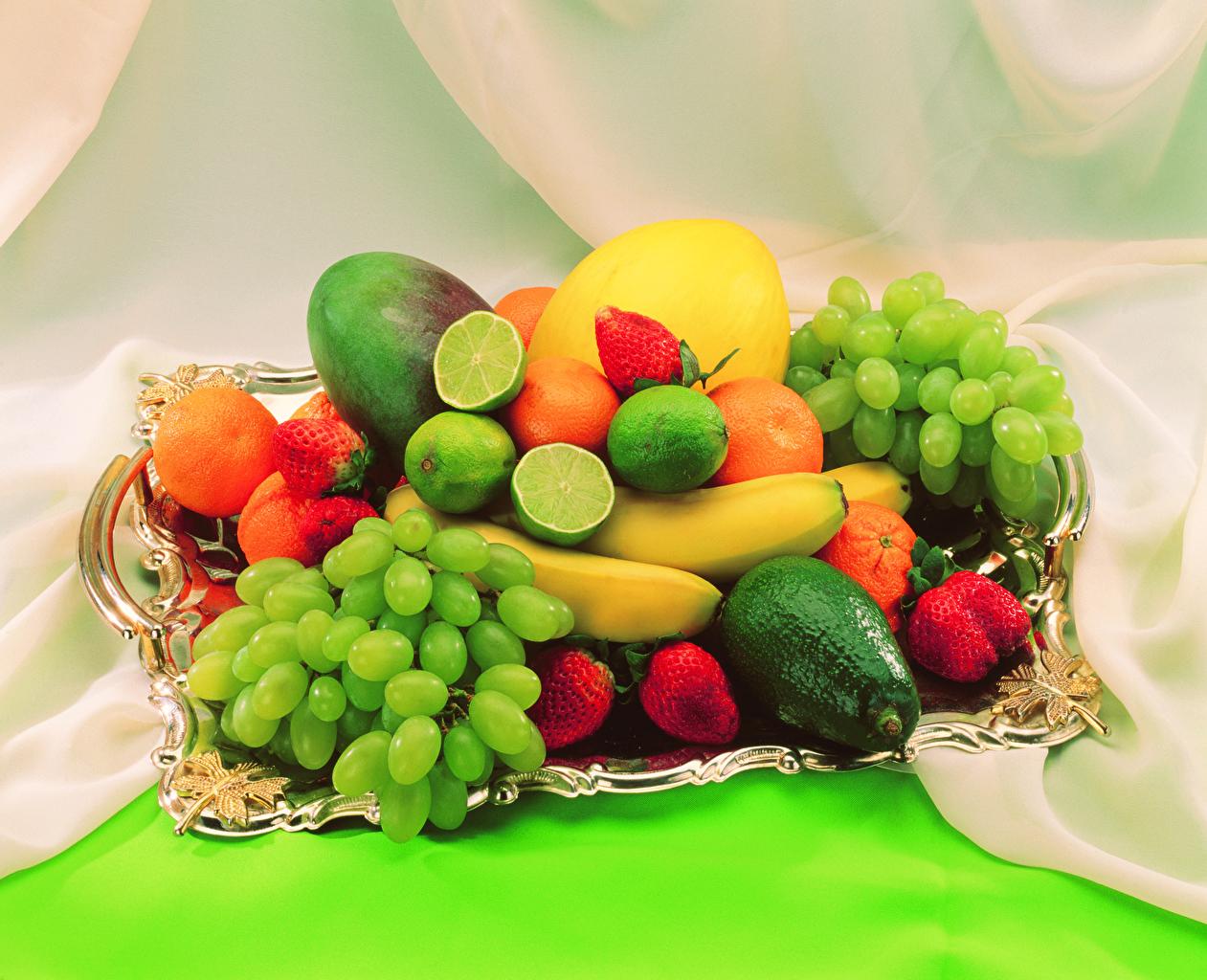 Картинки Авокадо Клубника Виноград Еда Фрукты Пища Продукты питания