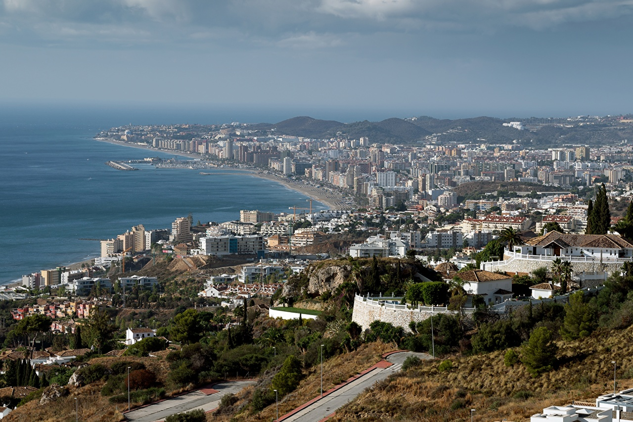 Картинка Испания Andalusia, Fuengirola Побережье Дома Города берег город Здания