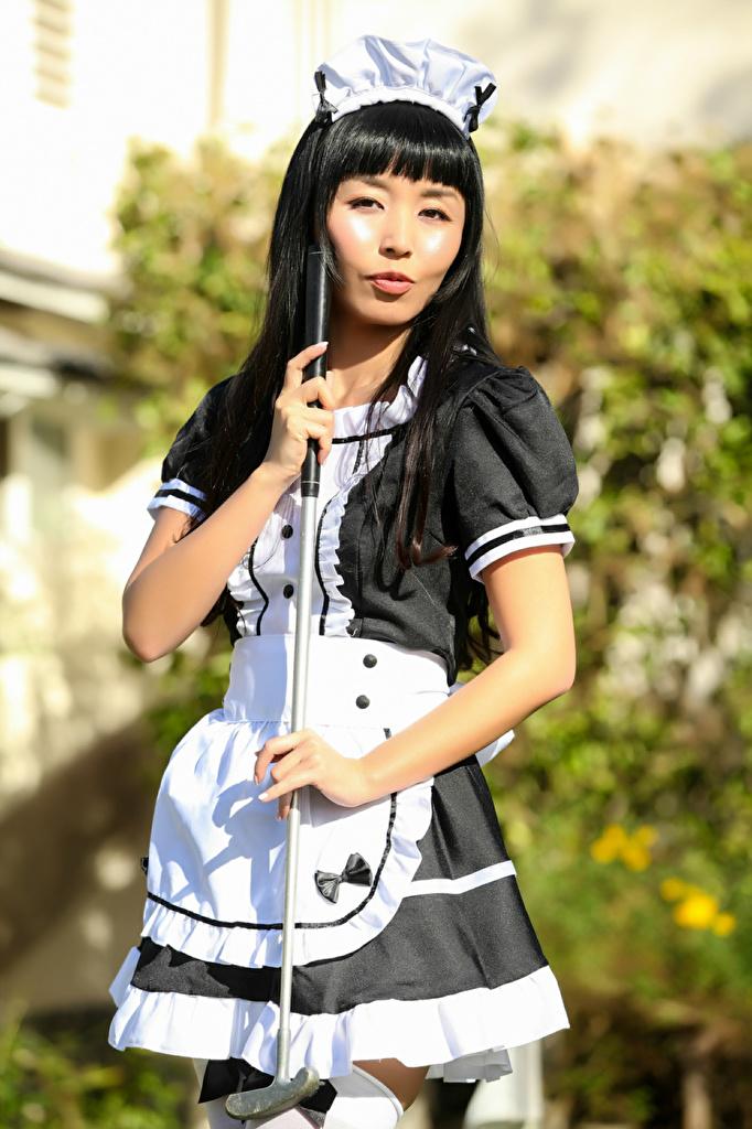 Фото Брюнетка горничной Marica, Golf Club девушка Азиаты Руки Униформа смотрят  для мобильного телефона брюнетки брюнеток Горничная горничные Девушки молодая женщина молодые женщины азиатки азиатка рука униформе Взгляд смотрит