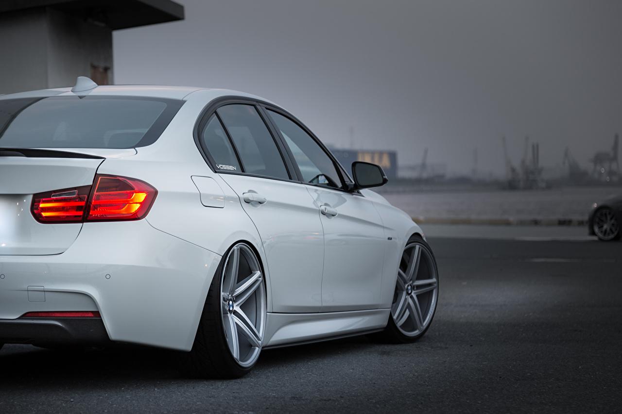 Фотография БМВ vossen белых Фары вид сзади автомобиль BMW белая белые Белый фар авто Сзади машины машина Автомобили