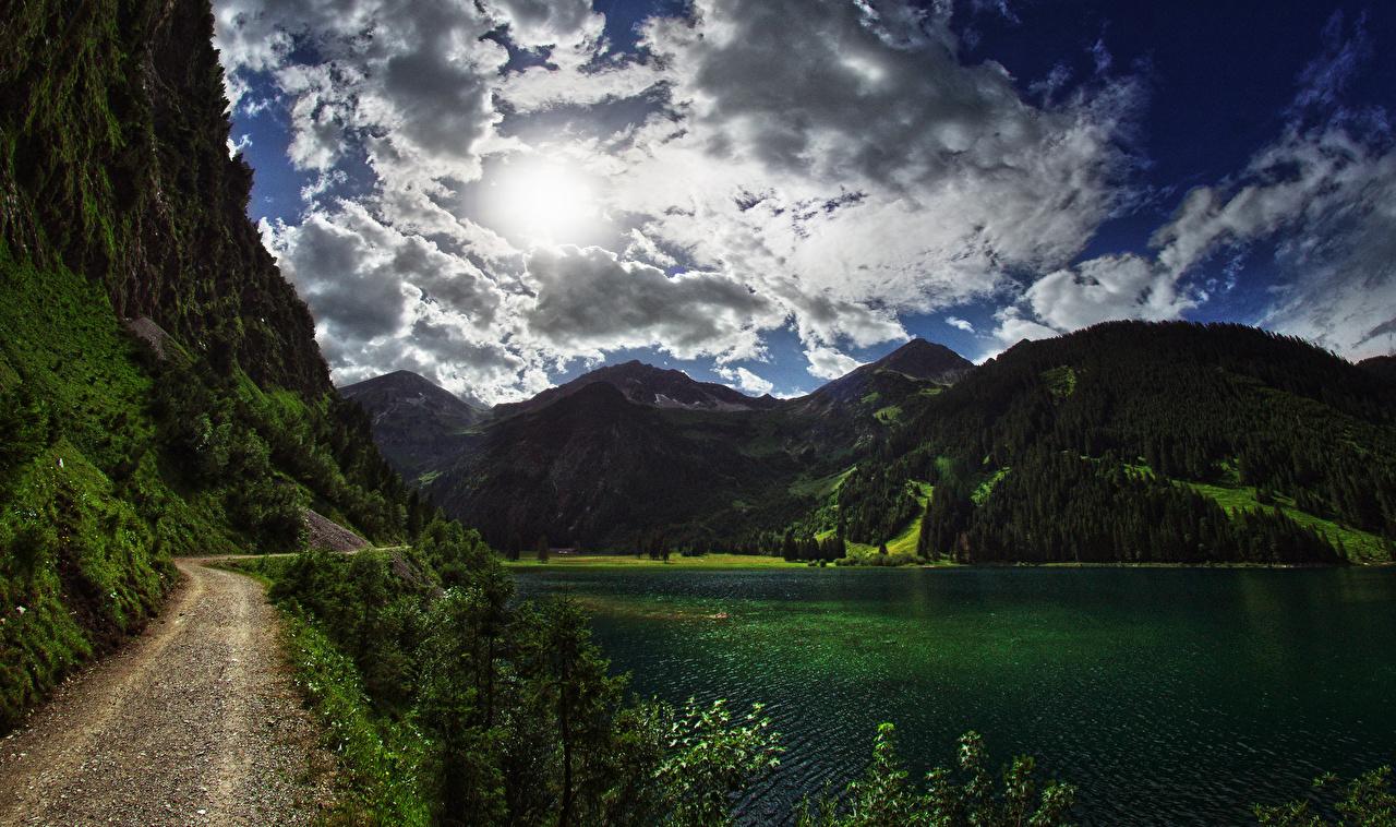 Обои для рабочего стола Австрия Reutte District Tyrol гора Природа лес Небо Озеро Дороги Облака Горы Леса облако облачно