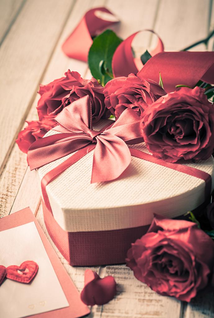 Картинка День святого Валентина сердечко Розы Цветы Подарки Бантик День всех влюблённых Сердце
