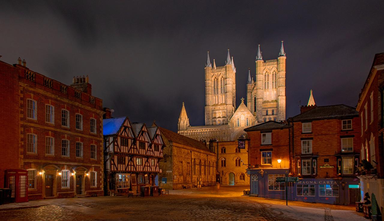 Фото Собор Англия башни Lincoln Cathedral Уличные фонари Дома Города Башня город Здания