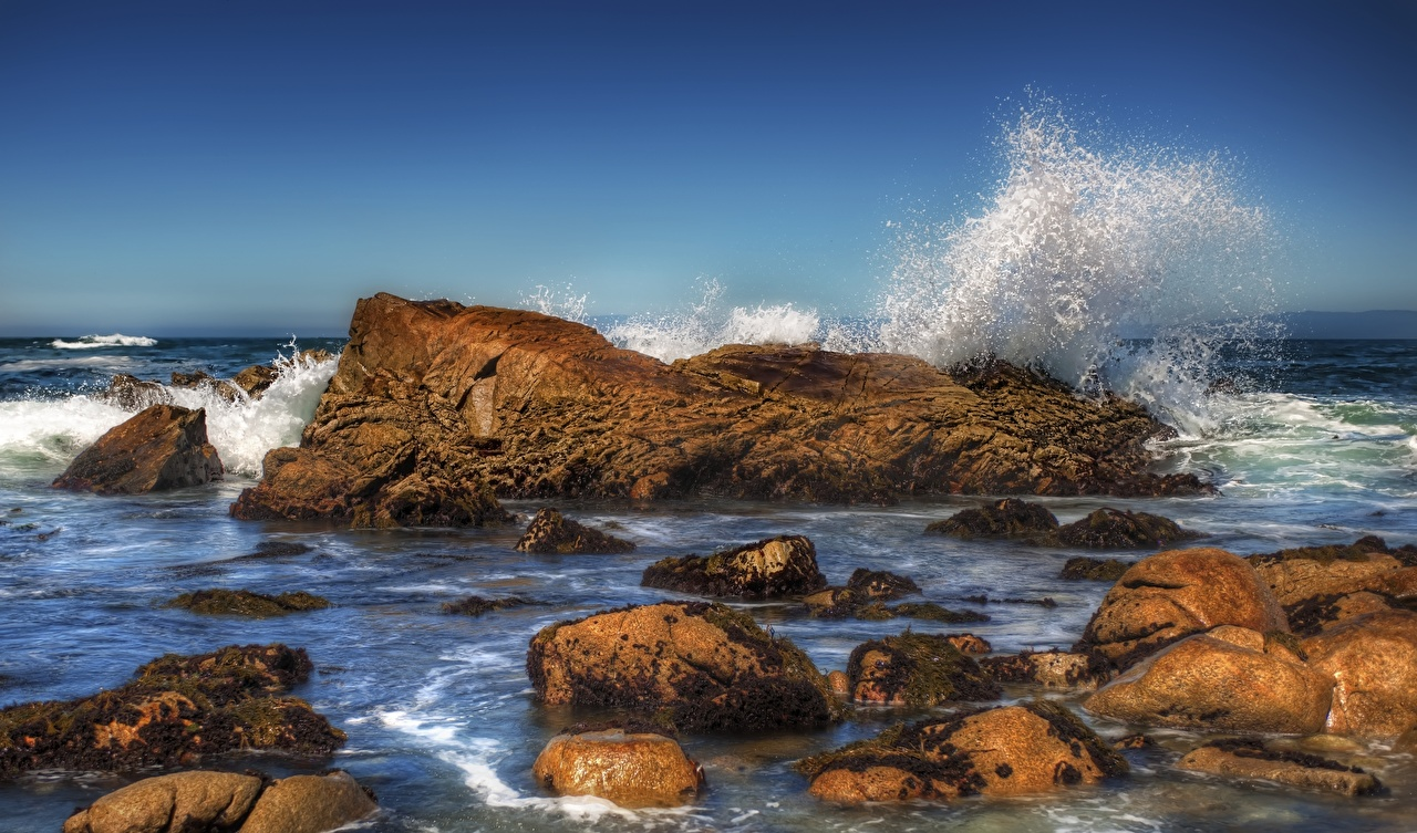 Картинка HDR Море Природа Волны с брызгами Камни HDRI Брызги Камень