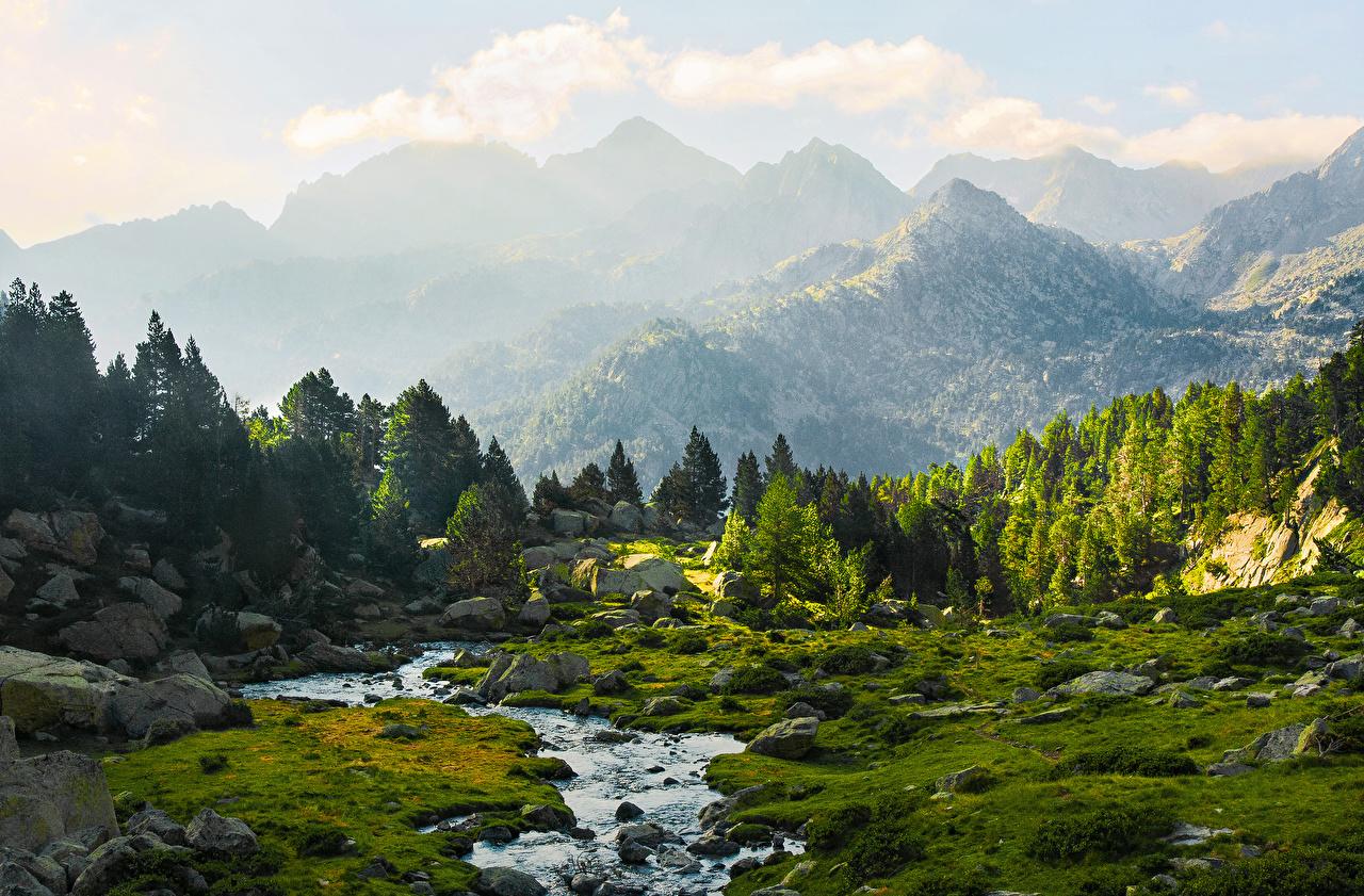 Обои Испания Lleida Catalonia Ель Горы Ручей Природа Камень Камни