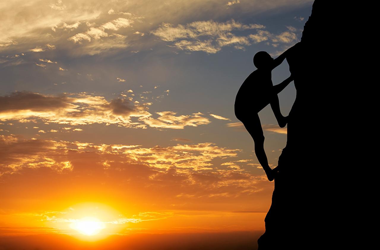 Фотография Альпинист силуэты Скала Солнце Природа Альпинизм Небо рассвет и закат альпинисты Силуэт силуэта Утес скалы скале солнца Рассветы и закаты
