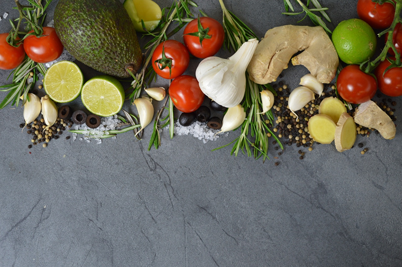 Фото Лайм Помидоры Чеснок Авокадо Пища пряности Томаты Еда Специи приправы Продукты питания