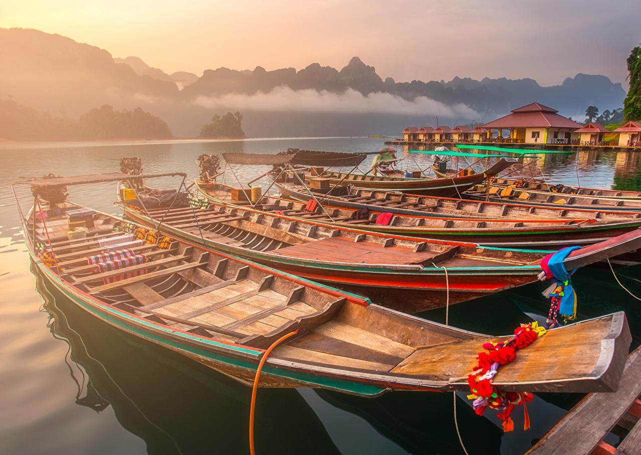 Картинка Таиланд Ratchaprapa Dam Природа Утро Лодки Причалы Пирсы Пристань