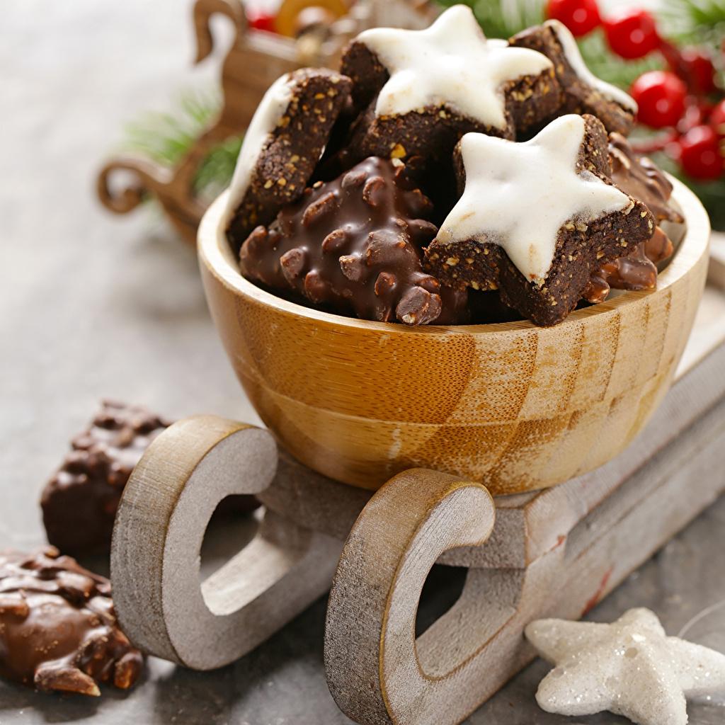 Картинка Рождество Сани Шоколад Печенье Продукты питания Выпечка Новый год Санки Еда Пища