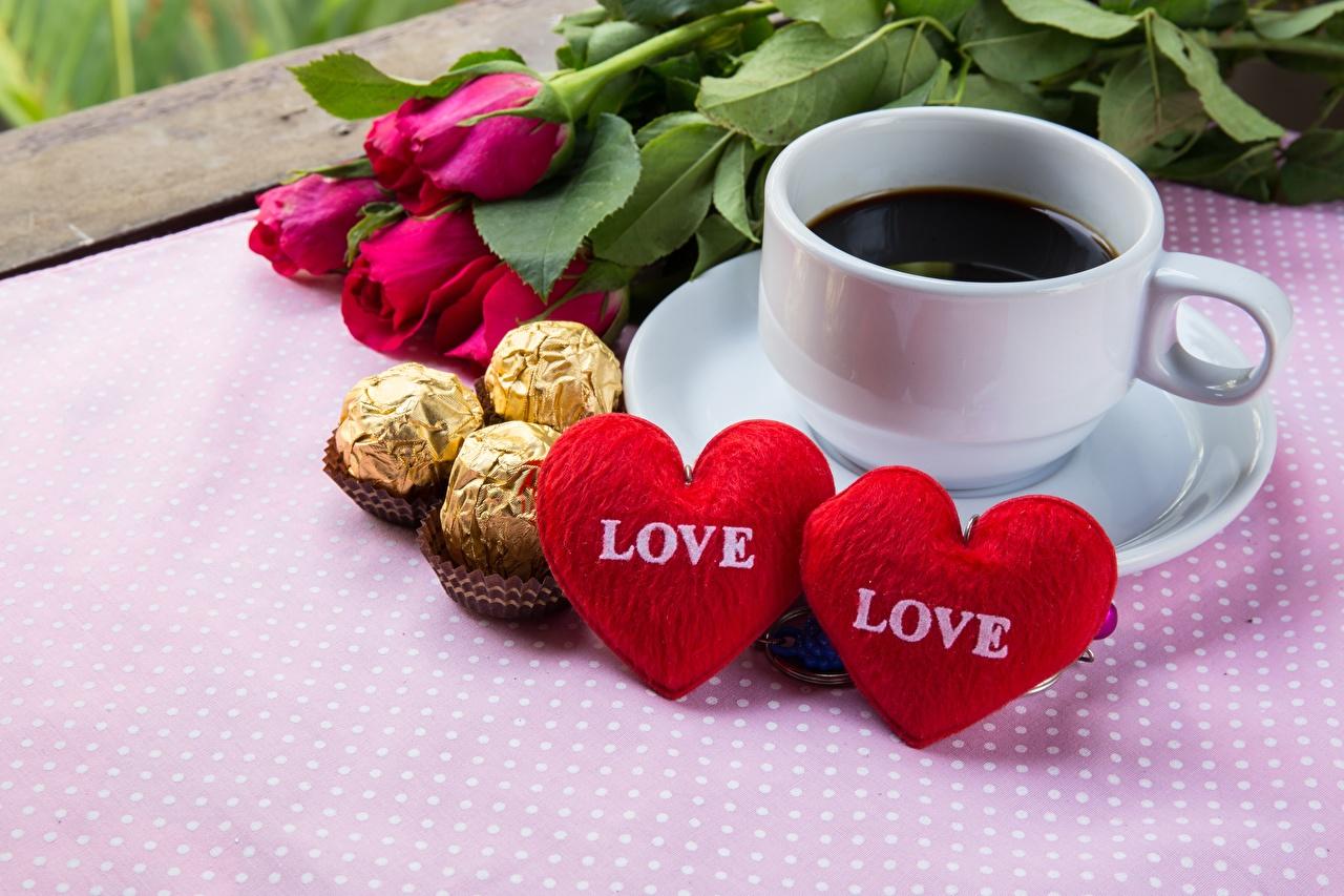 Фотографии День всех влюблённых сердечко Кофе Конфеты чашке Продукты питания День святого Валентина серце сердца Сердце Еда Пища Чашка