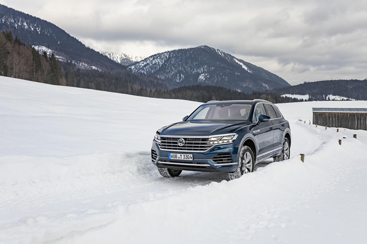 Фотографии Фольксваген 2018-19 Touareg V6 TDI Worldwide Синий Снег Металлик Автомобили Volkswagen Авто Машины