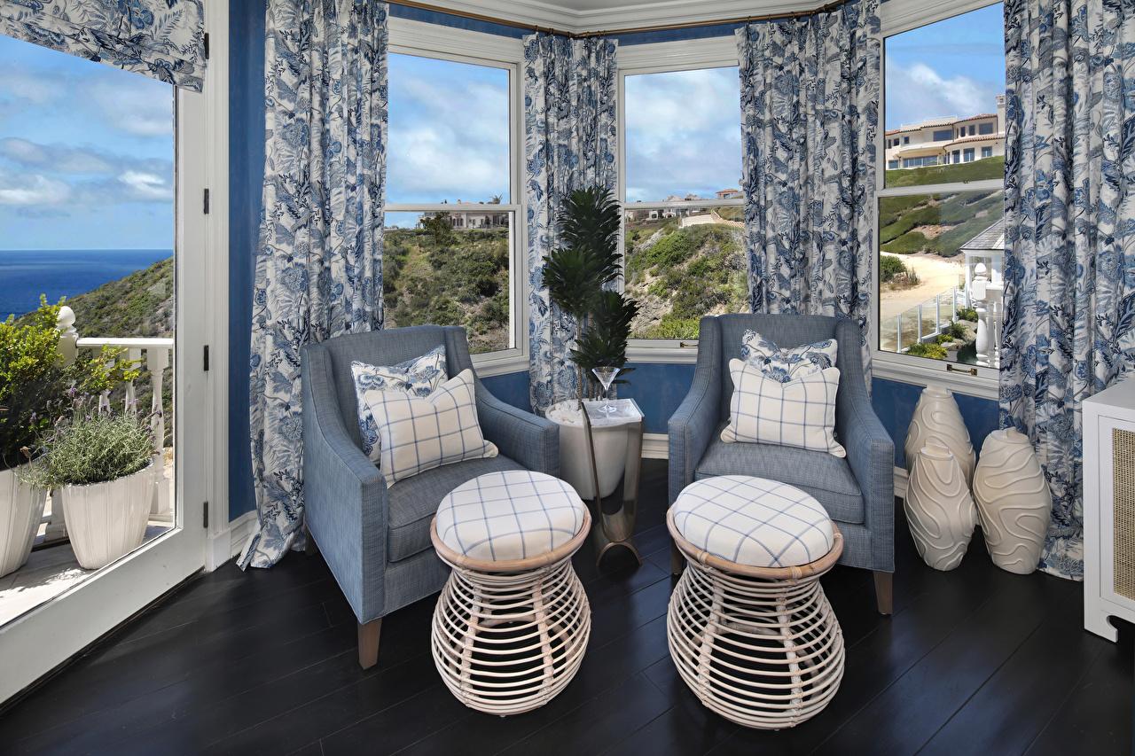 Фото гостевая Интерьер окна Кресло Подушки дизайна Гостиная Окно подушка Дизайн