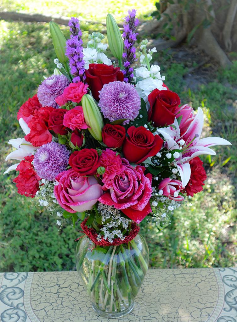 Картинка Букеты Розы Лилии цветок Гвоздики Георгины вазы  для мобильного телефона букет роза лилия Цветы гвоздика Ваза вазе