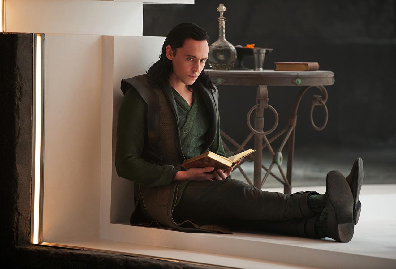 Фотография Тор 2: Царство тьмы Том Хиддлстон мужчина Фильмы Знаменитости Tom Hiddleston Мужчины кино