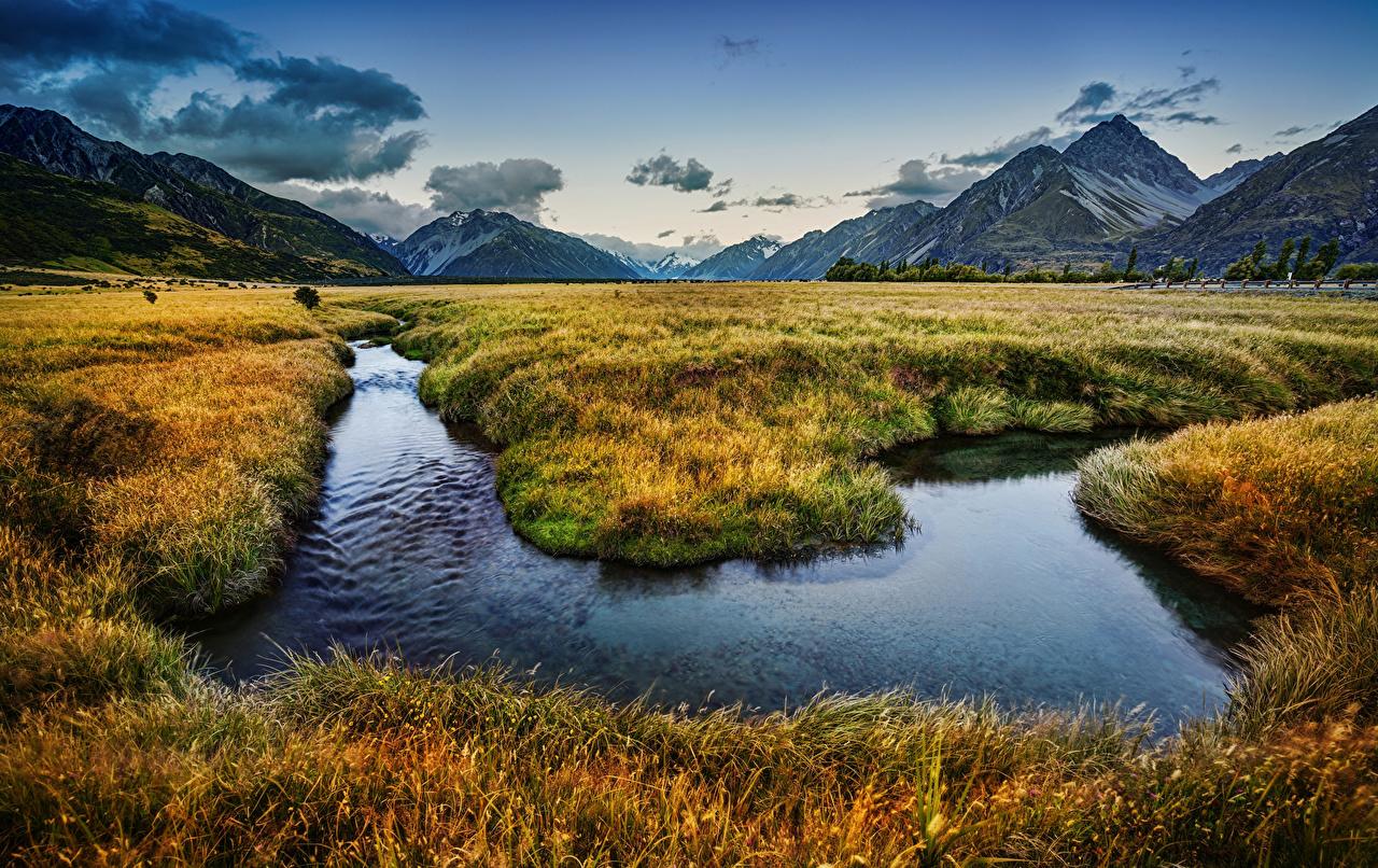 Фото Новая Зеландия Горы Природа Пейзаж Реки Трава гора река речка траве