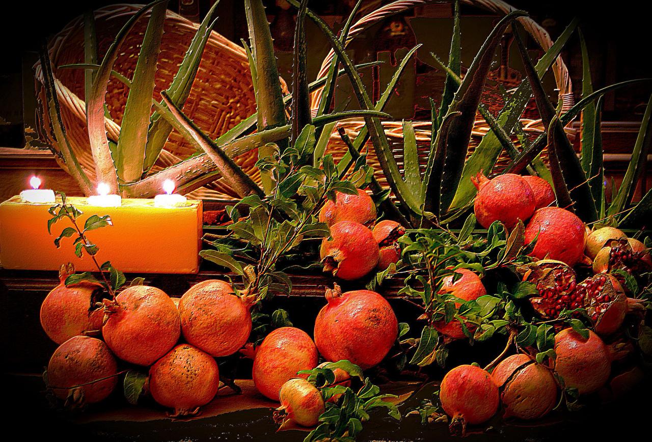 Фотография Гранат Пища Свечи Еда Продукты питания