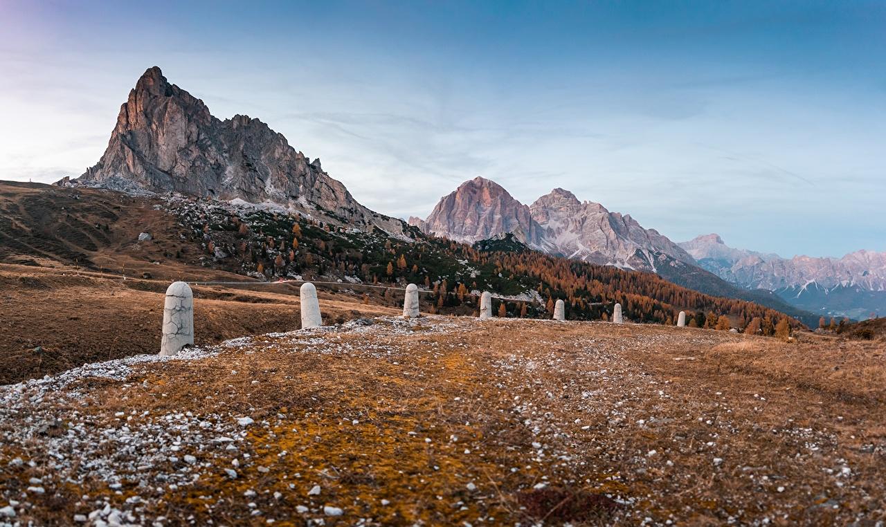 Картинка Альпы Италия Dolomites гора Осень Природа альп Горы осенние