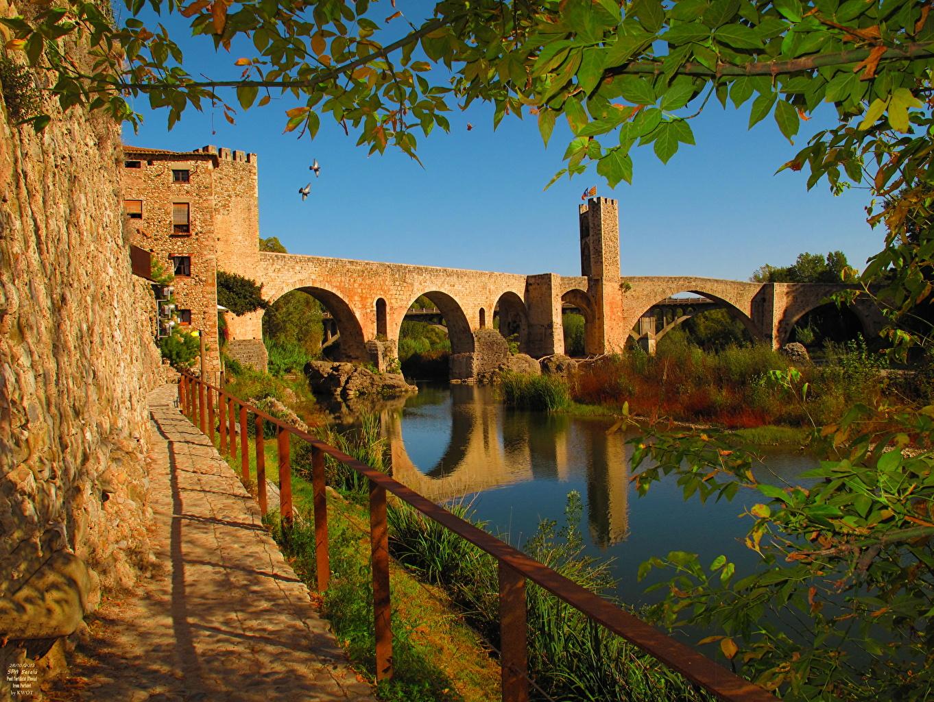 Обои для рабочего стола Испания Catalunya Besalu Мосты забора Города мост Забор ограда забором город